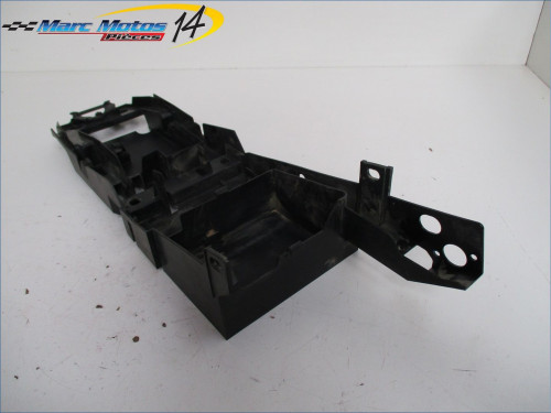 SUPPORT BATTERIE YAMAHA FZ1 N 2010