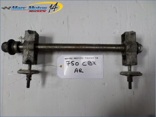 AXE DE ROUE ARRIÈRE HONDA 750 CBX